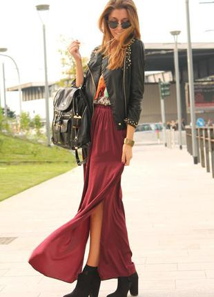 Стильная шифоновая длинная юбка с разрезами в состоянии новой