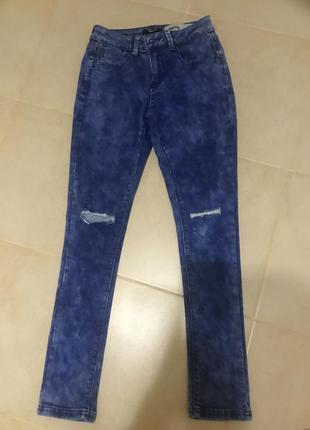 Фирменные джинсы стреч узкачи как лосины сток! рваные