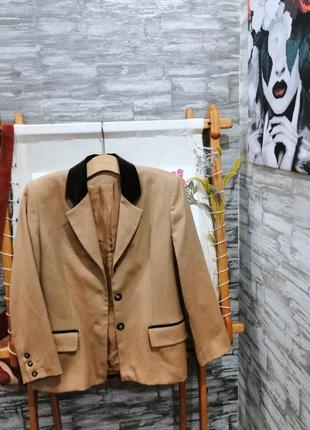 Стильный пиджак шерсть c&a
