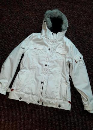 Levis. куртка зимняя. лыжная куртка. теплая куртка.