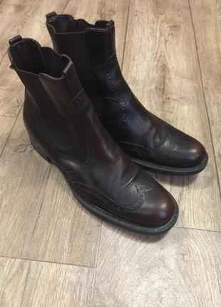 Кожаные женские ботинки bata  р 37