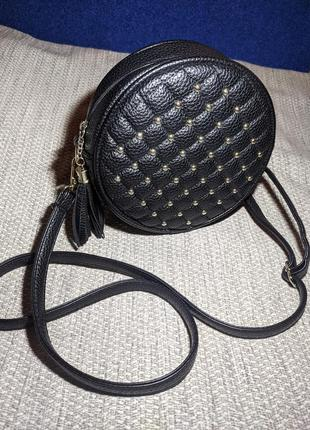 Женский клатч на длинном ремешке круглая маленькая сумочка из зернистой кожи