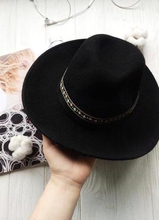 Чёрная фетровая шерстяная шляпа федора с ровными широкими полями