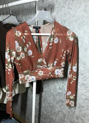 Полупрозрачная блуза с цветами