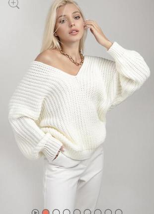 Теплый шерстяной свитер оверсайз