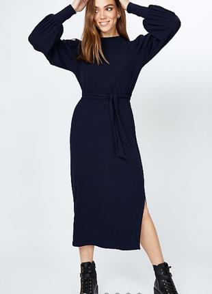 Стильное платье в рубчик 18/52-54 размера сток