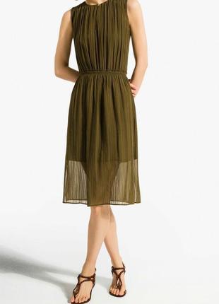 Очень красивое шелковое миди платье.  оригинал