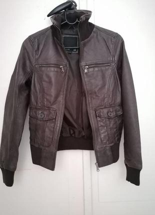 Кожаная коричневая куртка sora by jbc