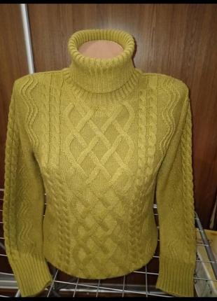 Теплый свитер 60 процентов шерсти