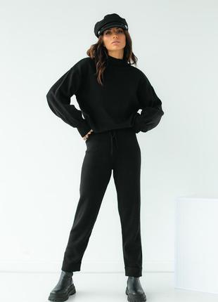 Черный трикотажный костюм двойка (кофта и штаны)