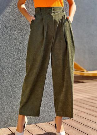 Вельветовые брюки цвета хаки широкого кроя