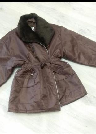 Женская куртка косуха большого размера. куртка пуховик. куртка с съемным воротником.
