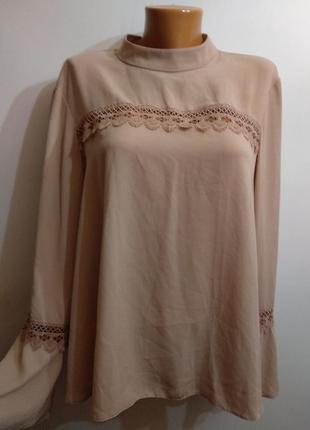 Новая красивая кофейная блуза с кружевными вставками 50-52 размера