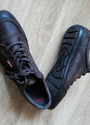 Levi's. туфлі