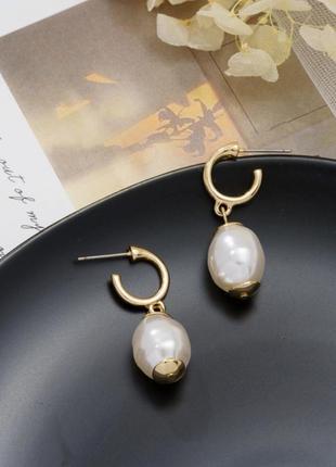 Золотистые серьги сережки с жемчугом