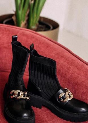 Чорні жіночі ботильйони