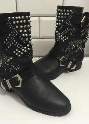 Шкіряні чобітки zara з шипами / сапоги , полусапоги - 37 розмір/ по устілці 24 см
