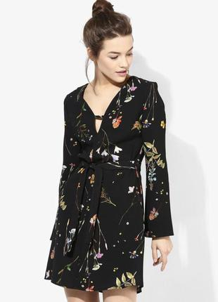 Платье в цветы трапеция с поясом
