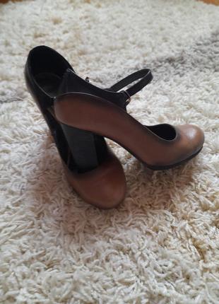 Кожаные туфли амбре