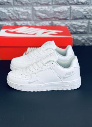 Комфортные кроссовки белые базовые универсальные. много обуви!!!