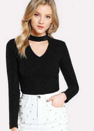 Пуловер с чокером от бренда melrose