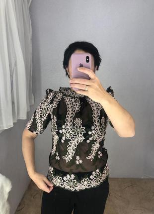 Красивая ажурная блуза