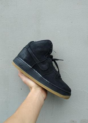 Ботинки черные  замшевые nike
