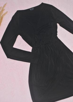 Платье черное на запах