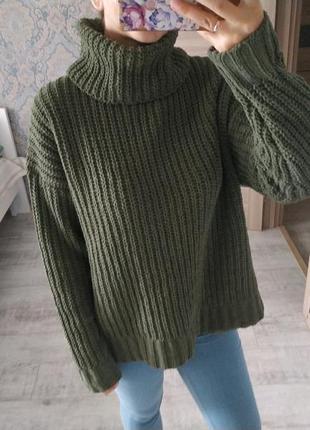 Стильный тёплый свитер оверсайз под горло