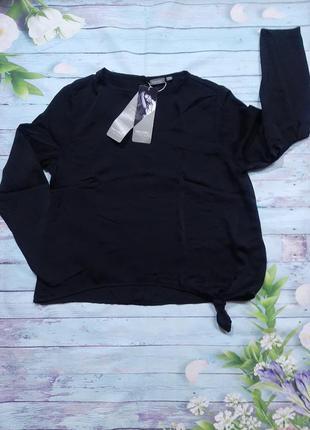 Тонкая блуза от холли берри