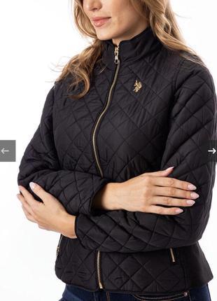 Черная куртка осенняя