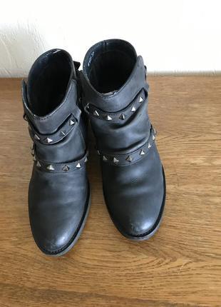 Короткие ботинки reserved
