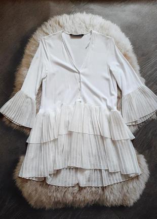 Белоснежная базовая блуза с плисированым низом