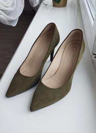 Туфли лодочки актуальный узкий носок