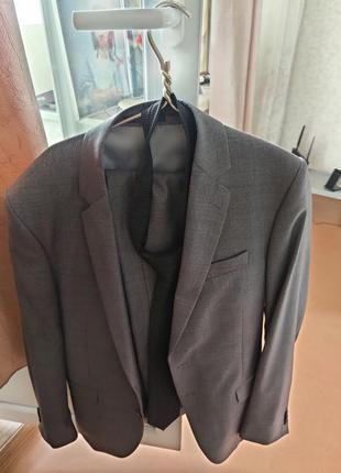 Мужской костюм с-м, 48 50 идеальное состояние