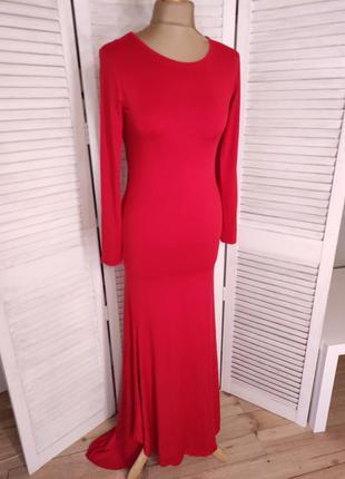 Шикарное крамное платье