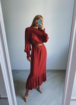 Платье миди  с поясом от zara