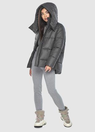 Серая куртка женская