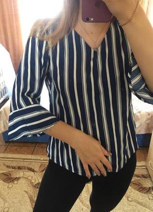 Полосатая женская блуза с рукавом тричетверти