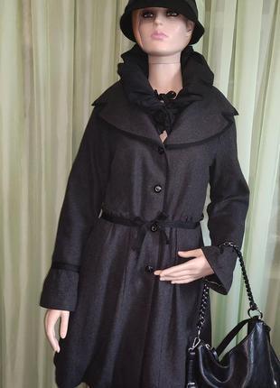 Просто нереальное винтажное пальто для королевы ✨🖤