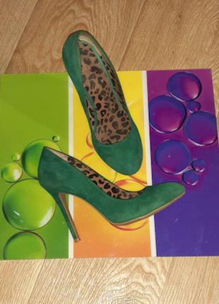 Продам обалденные туфельки от jessica simpson,  натуральный замш.