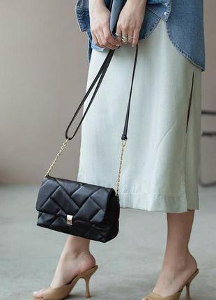 Чёрная сумка клатч кроссбоди через плечо с цепочкой