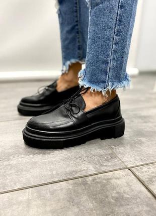 Туфли женские натуральная кожа в черном цвете.