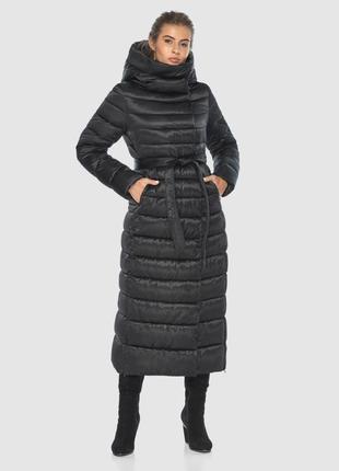 Чёрная практичная куртка женская