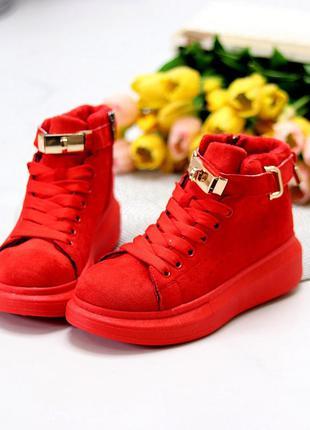 Женские красные высокие кеды