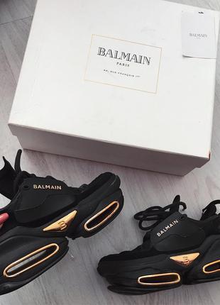 Шикарные кроссовки лого  сникерсы balmain 35 размер кожа!