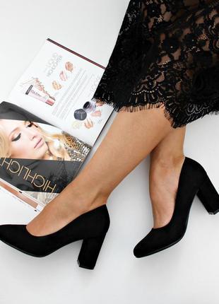 Черные туфли 37, 38 размера на устойчивом каблуке