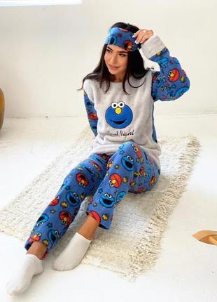 Пижама плюш и повязка для сна