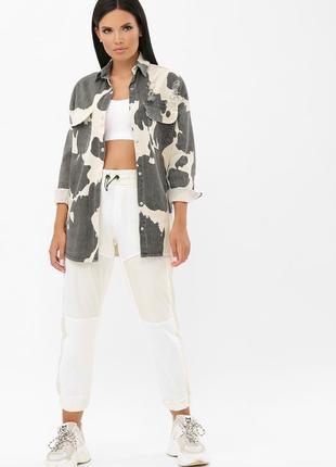 Джинсовая куртка прямого силуэта с потертостями