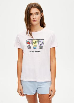 Розовая футболка принт pull&bear